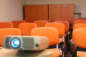 Hvordan å operere en Proxima ultralette SV1 projektor