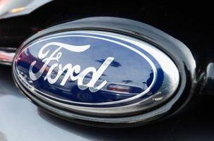 Hvordan å omprogrammere en Ford ekstern nøkkel Fob