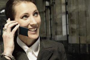 Hvordan sette en Samsung mobiltelefon til å vibrere
