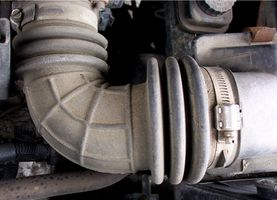 Hvordan installere en kald luftinntak på en Celica GT