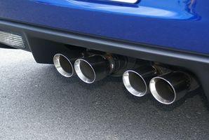Hvordan installere en lyddemper på en Corvette Z06