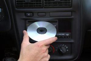 Hvordan installere en 2005 Toyota Camry CD-spiller