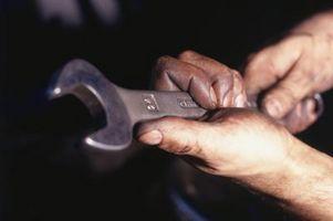 Tie Rod slutten fjerning for en 1996 Dodge Stratus