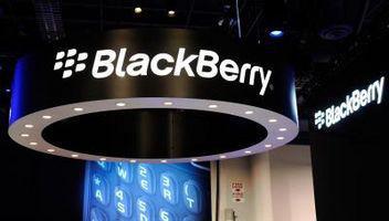 Hvor å fjerne batteriet fra min Blackberry kurven