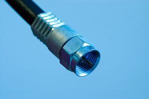 Hvordan du kobler en toveis kabel-TV HDTV forsterker Signal Booster