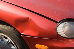 Hvordan du installerer automatisk reparasjon karosserideler