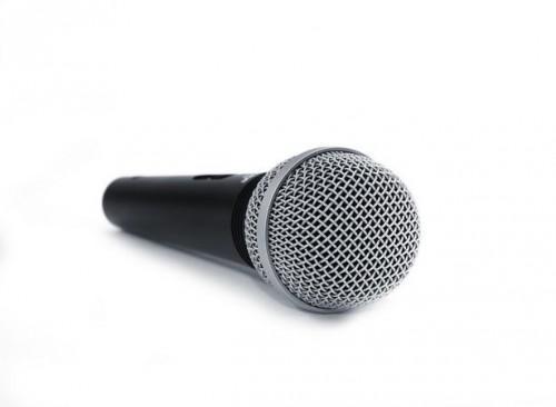 Hvordan å holde en mikrofon