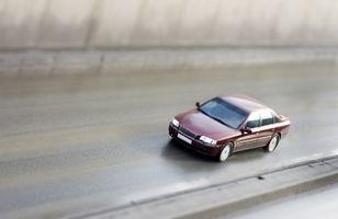 Hvordan å reparere riper & bulker på en bil