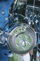 Hvordan erstatte bak lagrene på en 2003 Ford Explorer