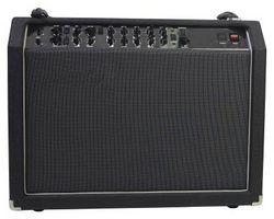 Hvordan å erstatte diskanthøyttalere på gitarforsterkere med mellomtoner høyttalere
