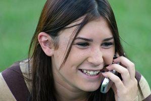 Hvordan kan jeg forklare barna hvordan mobiltelefoner arbeid?