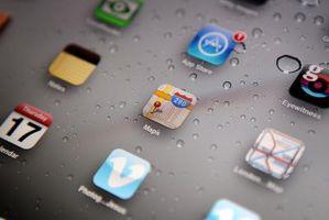 Hvordan å omordne mapper på en iPad