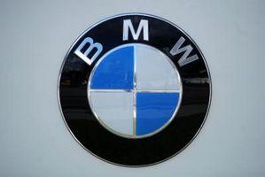 Hvordan endre en BMW 335i overføring til Sport-modus