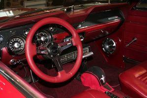 Hvordan fjerne en 1967 Mustang døren vindu