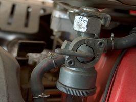 Legge til en tilbakeslagsventil til drivstoff linje