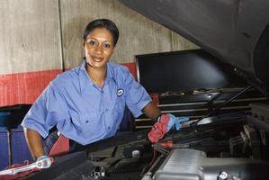 Hvordan du justerer bilens Air-til-drivstoff forholdet