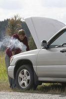 Hvordan fjerne en tett Auto Radiator uten å ta den av