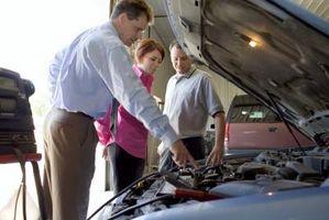 Hvordan erstatte servostyringspumpe i et 2000 Chevy Venture