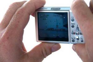 Hvordan installere et minnekort i et digitalt kamera