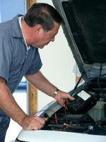 Hvordan fjerne Distributør på en 1994 Toyota Camry fire sylinder