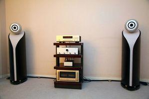Hvordan installere et stereoanlegg på rommet