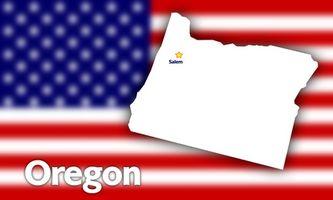 Hvordan overfører jeg en Auto tittel & registrering i Oregon?