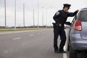 Hvordan du kontakter en Florida Highway Patrol Officer