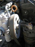 Hvordan erstatte serpentin beltet på en 1993 Chevy lastebil