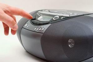 Hvordan koble MP3-spilleren til linjen i på en Boom boksen