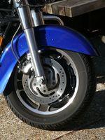 Hvordan endre bremser bak motorsykkel
