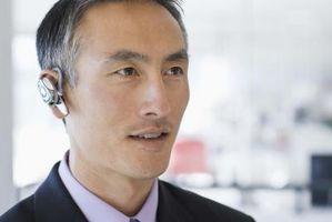 Hvordan koble en Samsung Bluetooth Headset til en Samsung Propel telefon