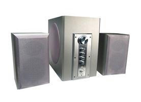 Koble 2.1 høyttalere til en TV
