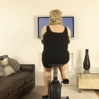 Hvordan du knytter montering armene til en TV