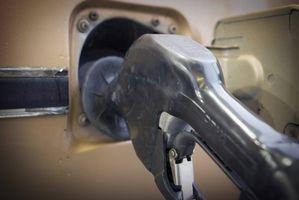 Hvordan feilsøker jeg en Hyundai gass Tank døren ekstern åpneren som vil ikke virker?