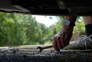 Hvor å erstatte Fuel filteret på en ' 95 Ford F-150