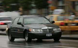 Hvordan få motoren koder på en Lincoln by bil