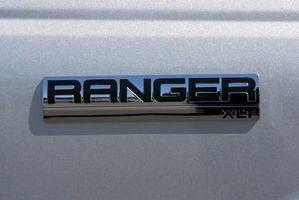 Hvordan installere en Hengerfeste på en Ford Ranger