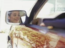 Hvordan å reparere min 2006 Hyundai Elantra passasjer speil