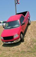 Hvordan å ri på baksiden av en Pickup lastebil