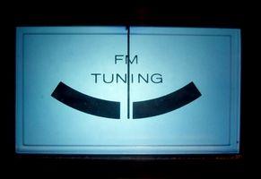 Hvordan du bruker en Belkin TuneCast Auto Universal νm;F8N066