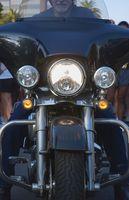 Hvordan fjerne en Radio fra en Harley Fairing
