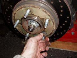 Hvordan installere en brems Rotor på en Ford F150