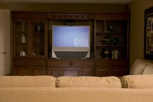 DIY: Hvordan rengjøre Magnavox projeksjon TV