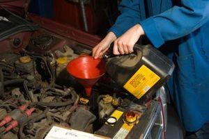 Hvordan å blande syntetisk olje med ikke syntetisk olje