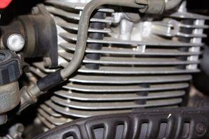 Hvordan kan jeg endre olje på en WR250 Yamaha?