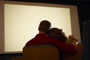 Hvordan lage en projektor skjerm med en presenning