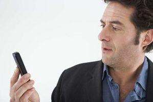 Hvordan lage en samtale på en mobiltelefon når batteriet er død