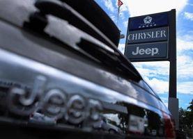 Hvordan installere en Jeep frontruten