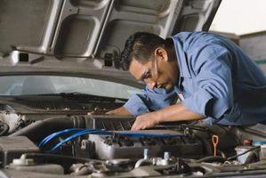Hvordan erstatte startmotoren til en 2000 Chevy S-10