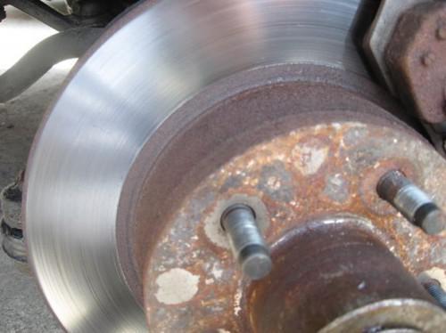 Hvor å feilfri glasur av bremseskiver